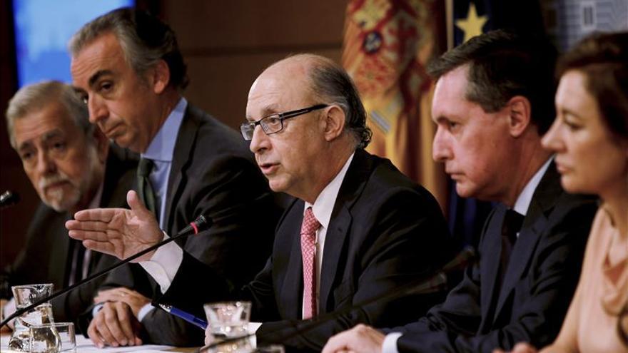 La CE advierte de que la reforma fiscal de España puede dificultar el cumplimiento del déficit