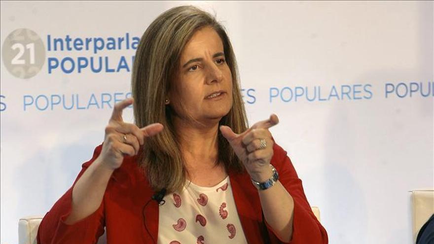 Báñez pedirá un aumento de la prefinanciación europea de la garantía juvenil