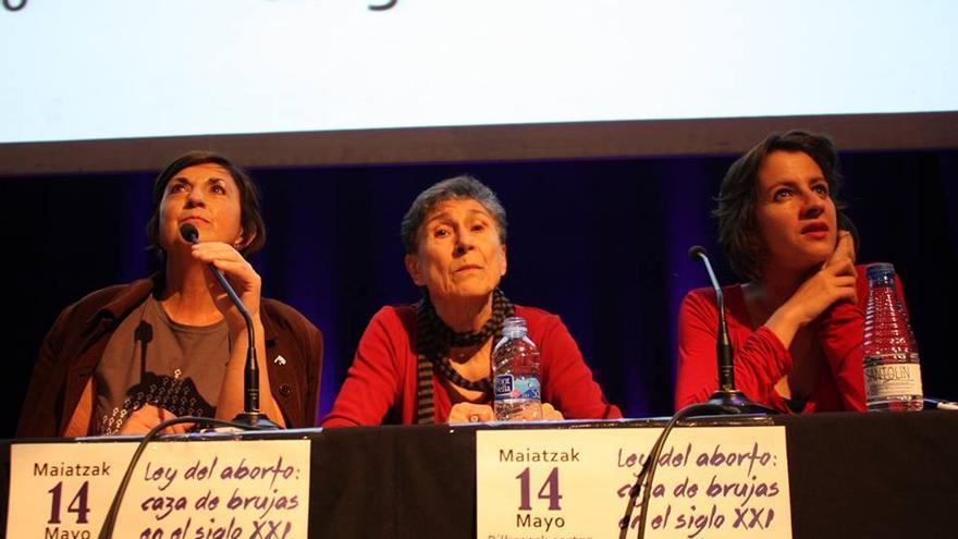 Encuentro con Silvia Federici en Bilbao bajo el título 'Ley del aborto: caza de brujas en el siglo XXI'. / Ecuador Etxea