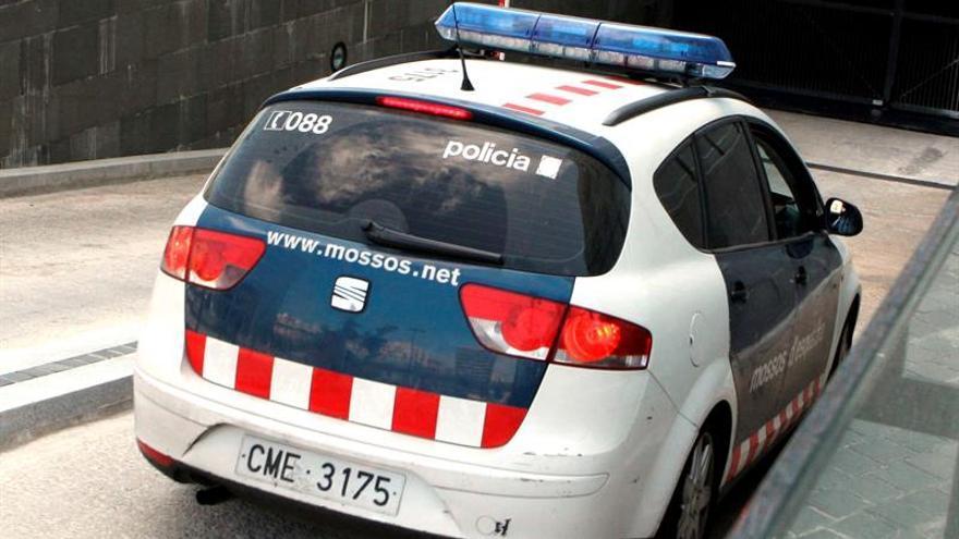 Detenido un hombre acusado de agredir a su pareja en Barcelona