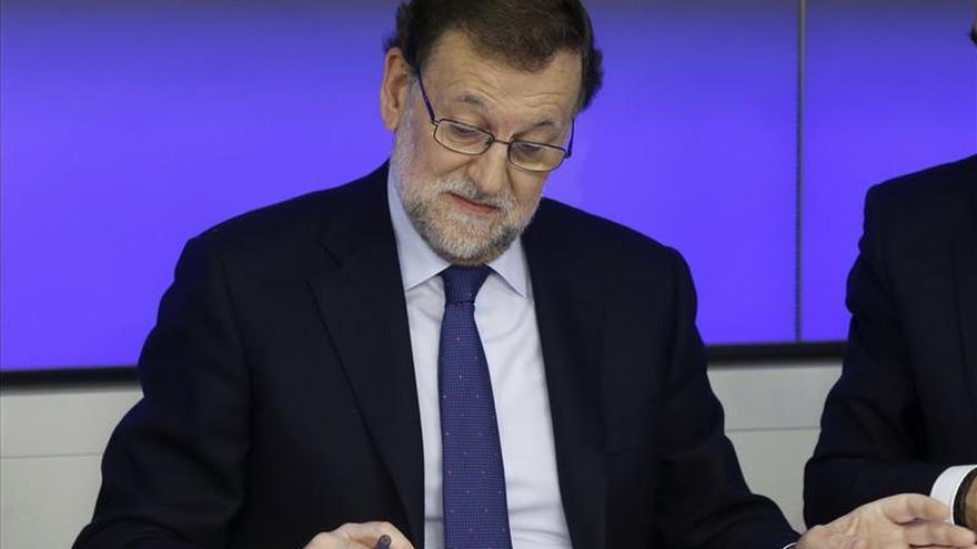 Rajoy asegura al PP que con los resultados obtenidos se puede gobernar