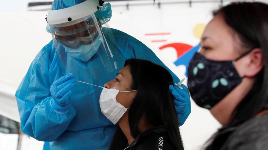 Colombia suma 8.254 casos de covid-19 el día en que más vacunas ha aplicado