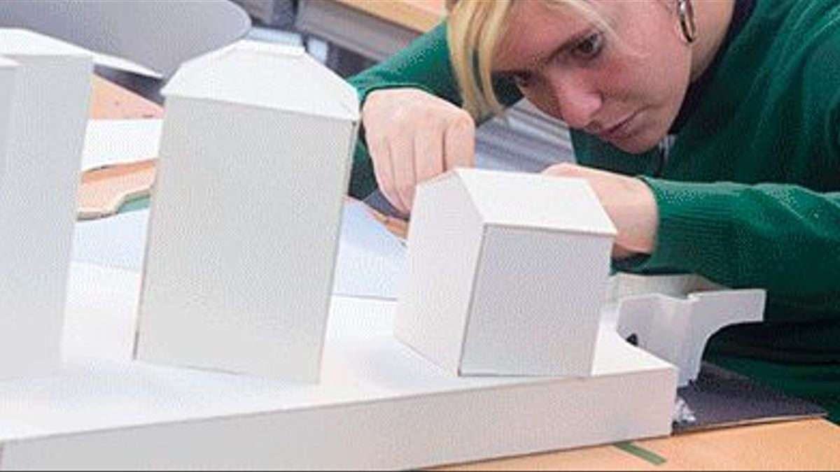 Una alumna de la Escuela Técnica Superior de Arquitectura de San Sebastián