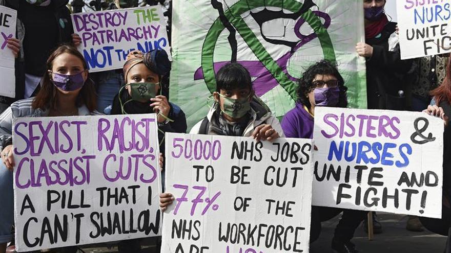 El sistema de Sanidad pública británica se tambalea por falta de medios