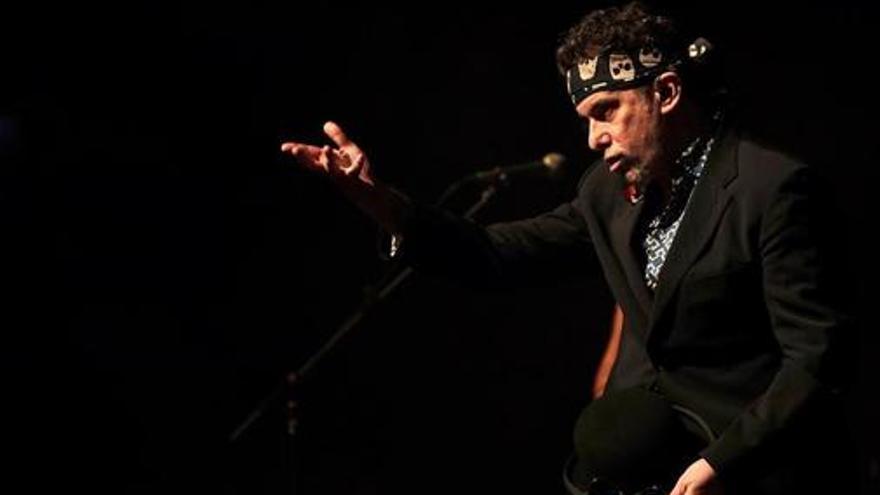Andrés Calamaro durante su concierto en Barcelona