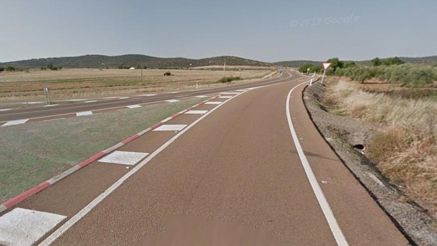Carretera Nacional 435 a su paso por Almendral / www.google.es/maps