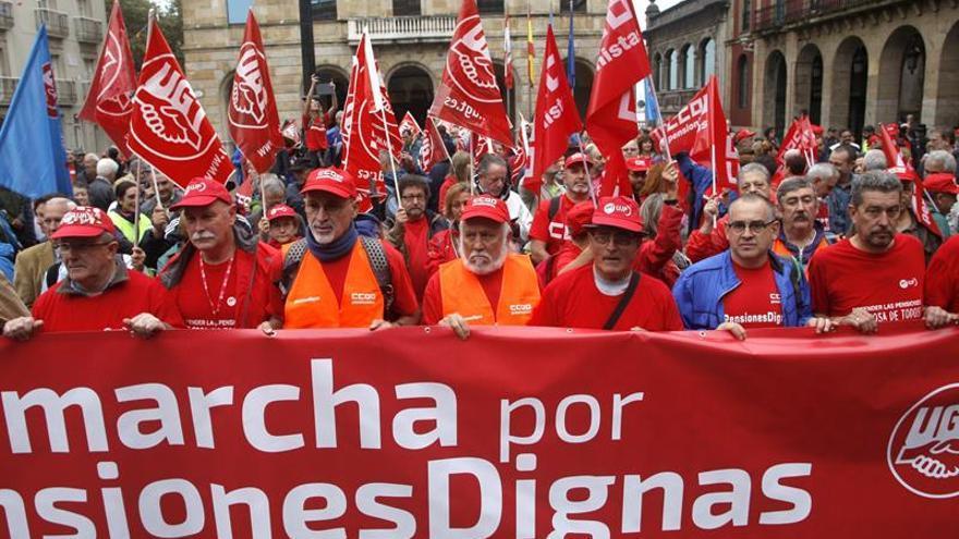 Pensionistas inician en Gijón una marcha a Madrid en defensa de pensiones dignas