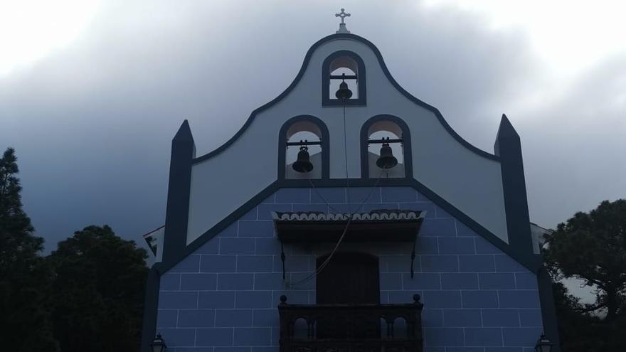 Pintadas en la ermita del Pino de El Paso.