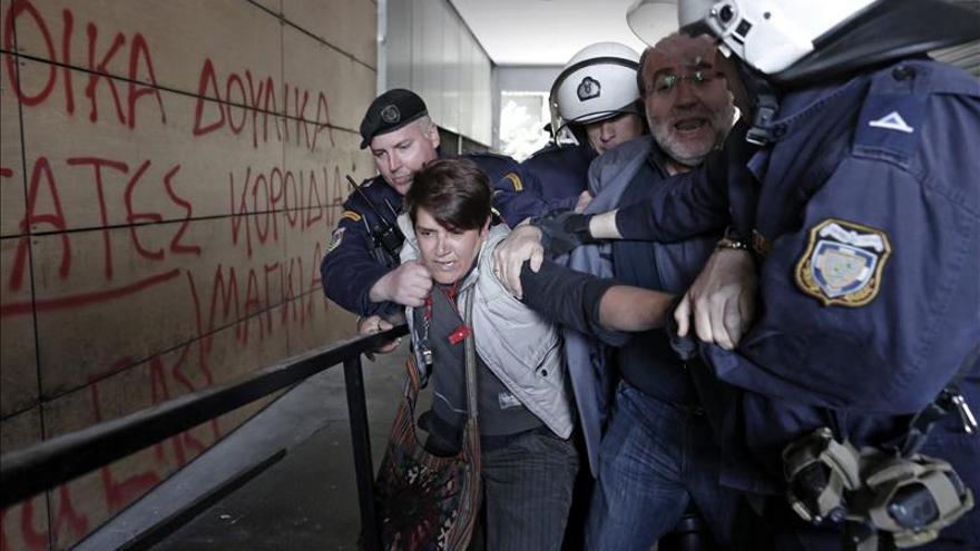 Aumenta un 36 % la tasa de suicidios en Grecia desde el inicio de la crisis
