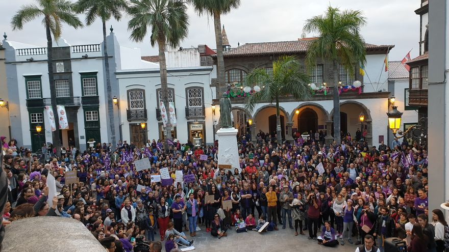 Cierre de la manifestación en la Plaza de España.