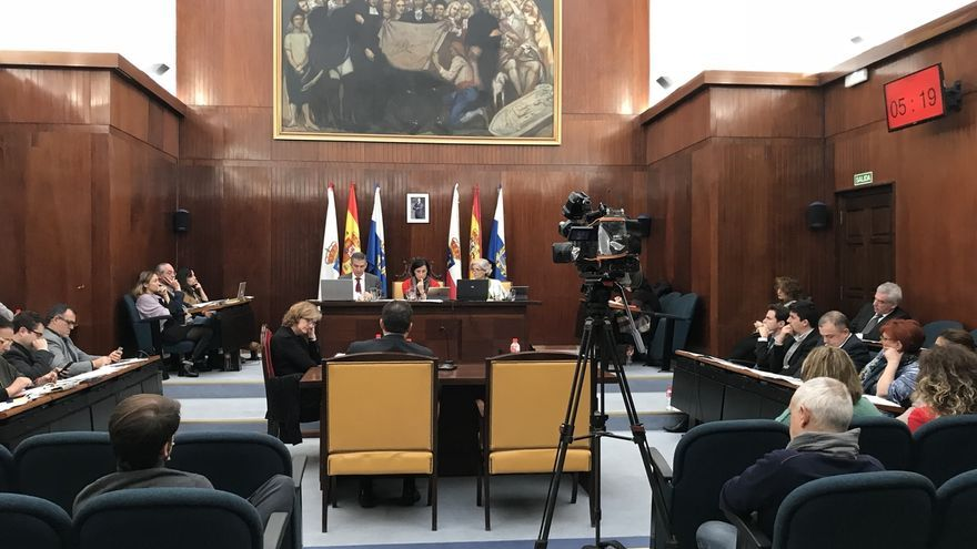 """PP defiende que Santander """"avanza"""" pese a """"crispación"""" de oposición, que denuncia """"caos"""" e """"improvisación"""""""