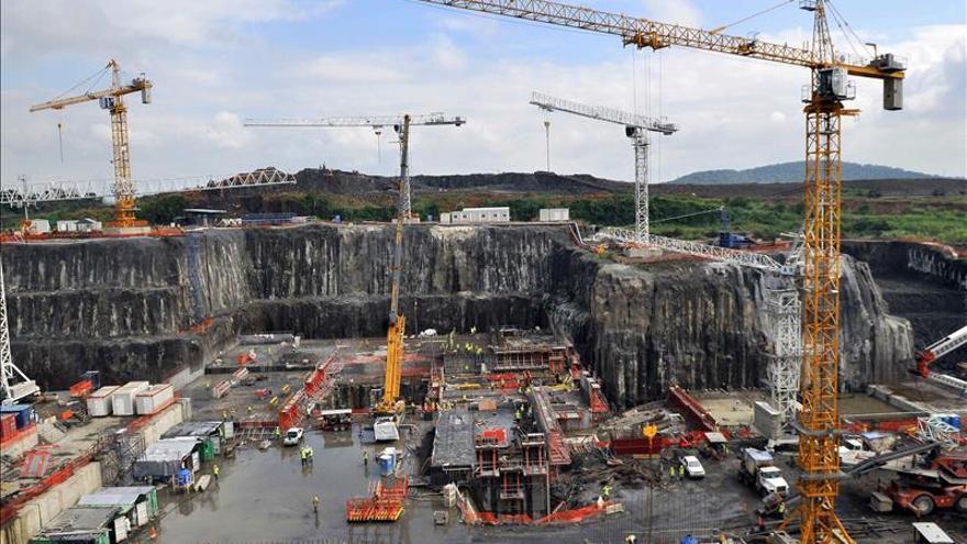 El nuevo cauce del Canal ampliado de Panamá alcanza el nivel del lago Gatún