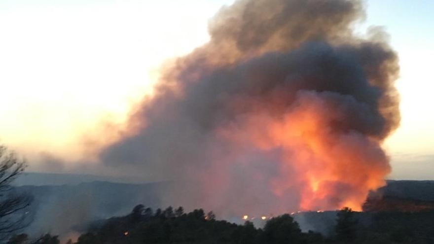 Imagen de las llamas de la Ribera d'Ebre
