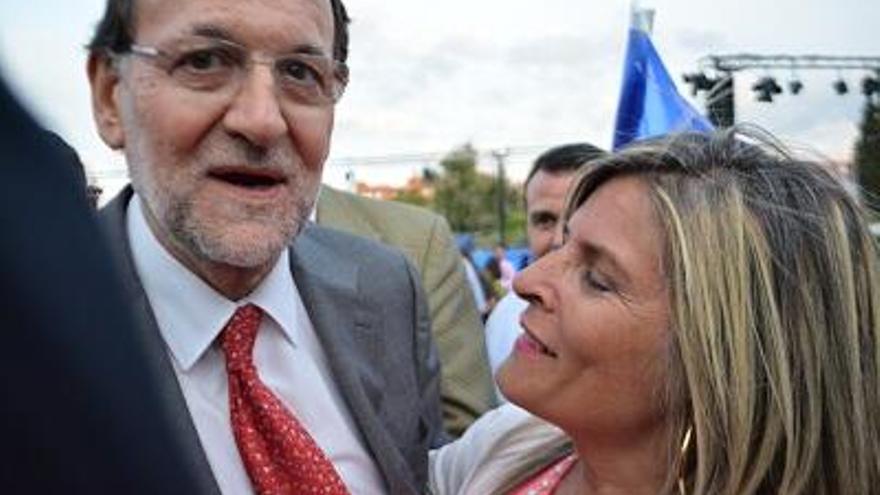 Ana Hermoso con Mariano Rajoy en una fotografía colgada en su perfil de Twitter.