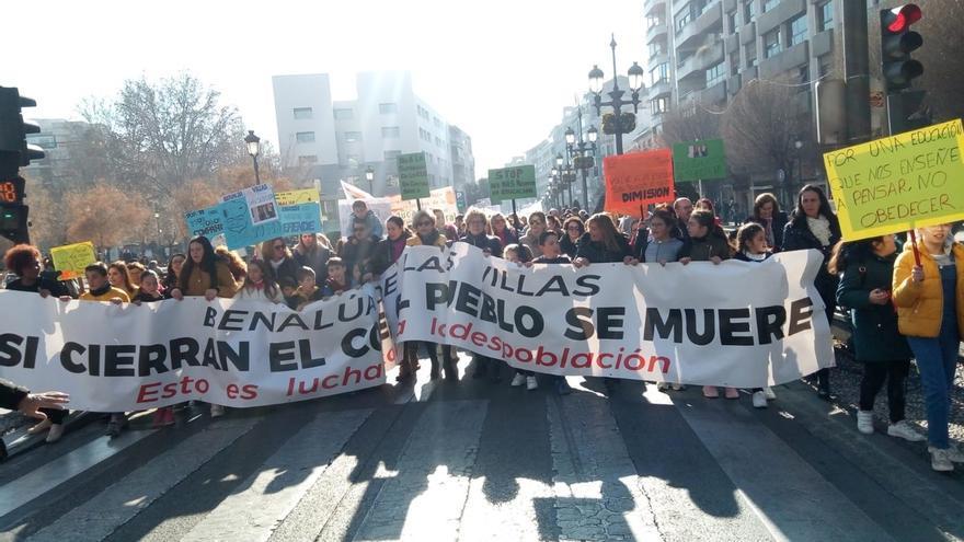 La Junta reduce a menos del 2% el seguimiento de los profesores de Infantil y Primaria convocados a la huelga