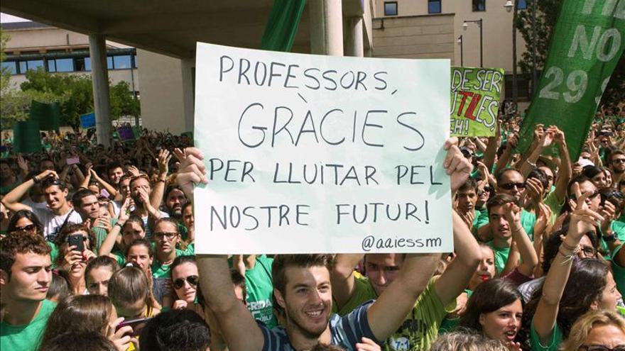 2.000 docentes piden la dimisión de Bauzá en el inicio del curso universitario