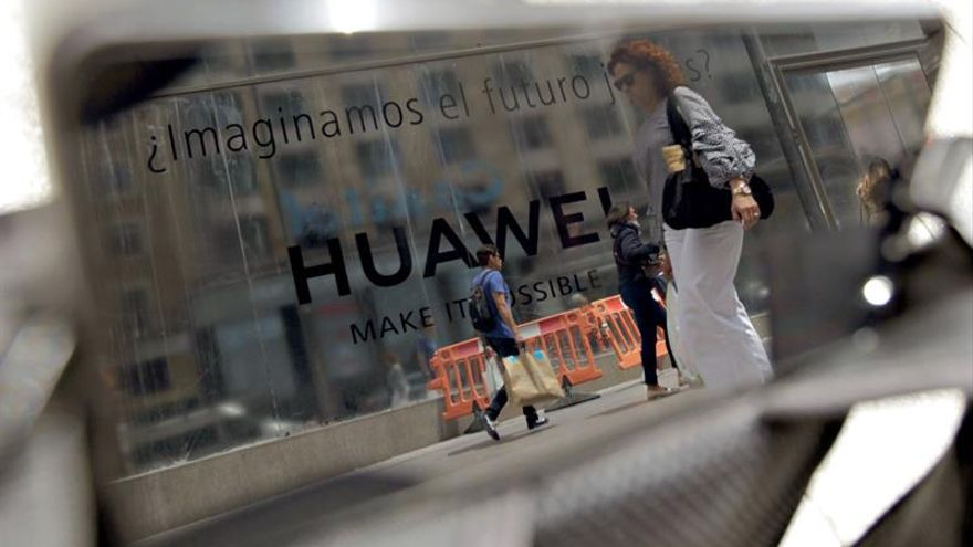 Nerviosismo entre comerciantes y clientes por el veto a Huawei