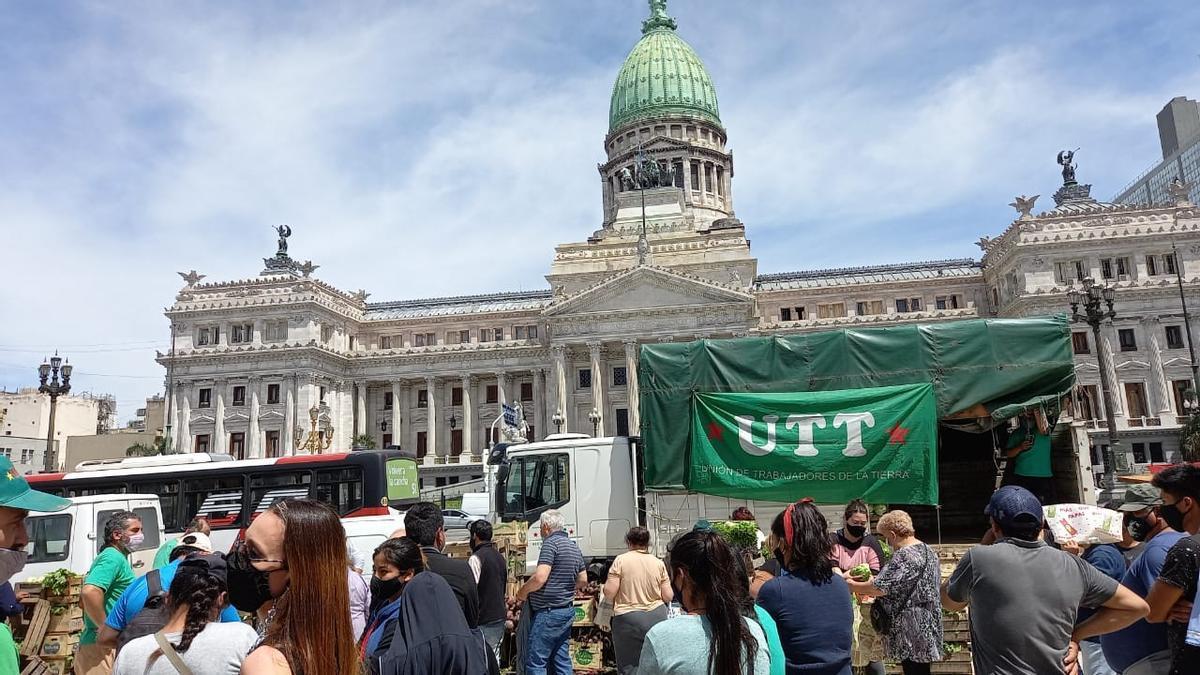 La UTT inició cuatro días de protestas y acampe frente al Congreso
