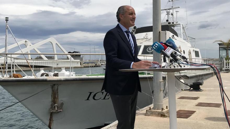 El expresident Francisco Camps durante una rueda de prensa realizada en la Marina de Valencia