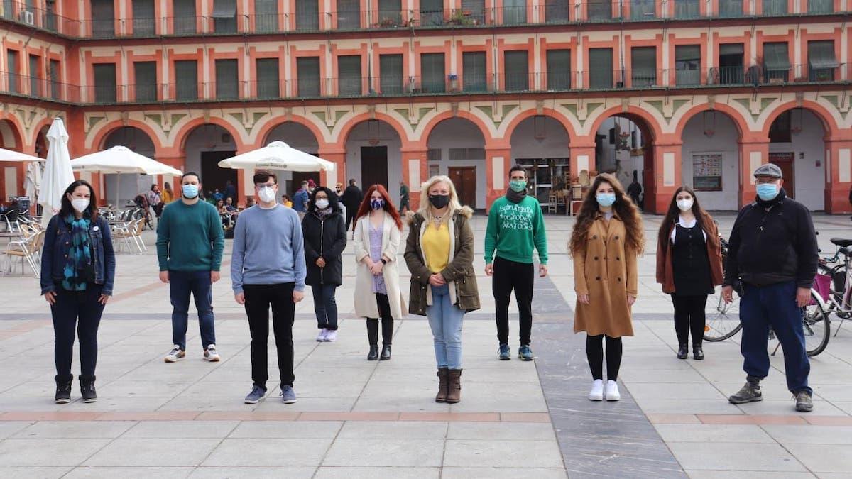 Integrantes de Podemos Córdoba en la plaza de la Corredera.