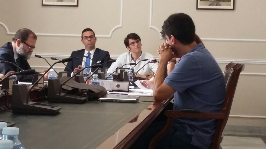 """Salom niega que el PP le retornara los 1.000 € y achaca a su """"notoriedad"""" las acusaciones de otros asesores"""