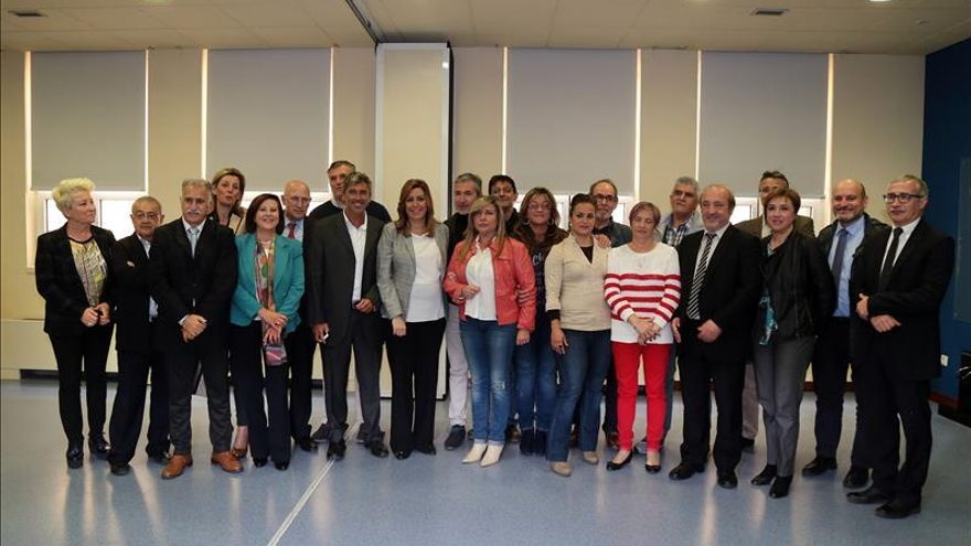 Susana Díaz anuncia la elaboración de un plan de atención para los pacientes de hepatitis C