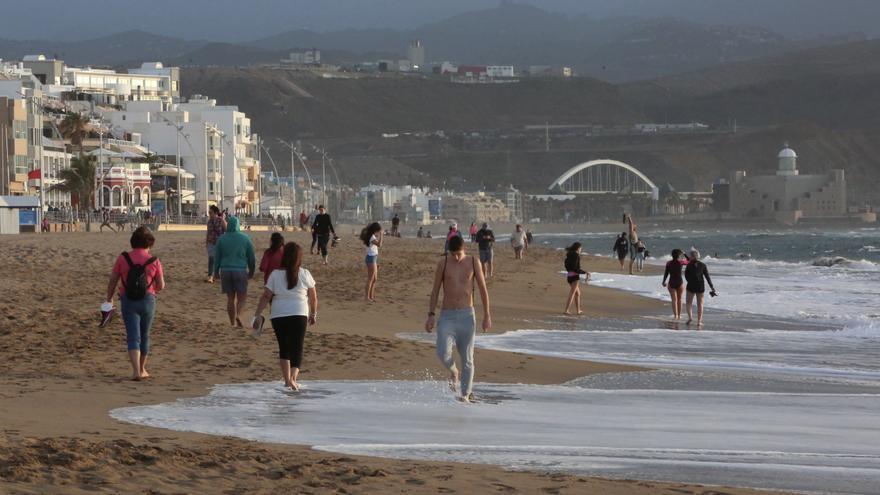 Playa de Las Canteras durante el estado de alarma, en Las Palmas de Gran Canaria