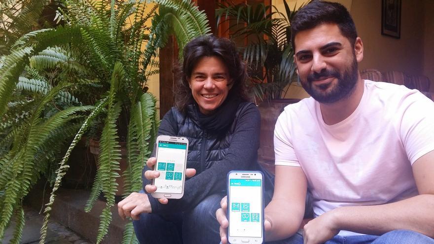 Cristina Suárez y Maikel Aguiar, los desarrolladores de la aplicación miPlaza.