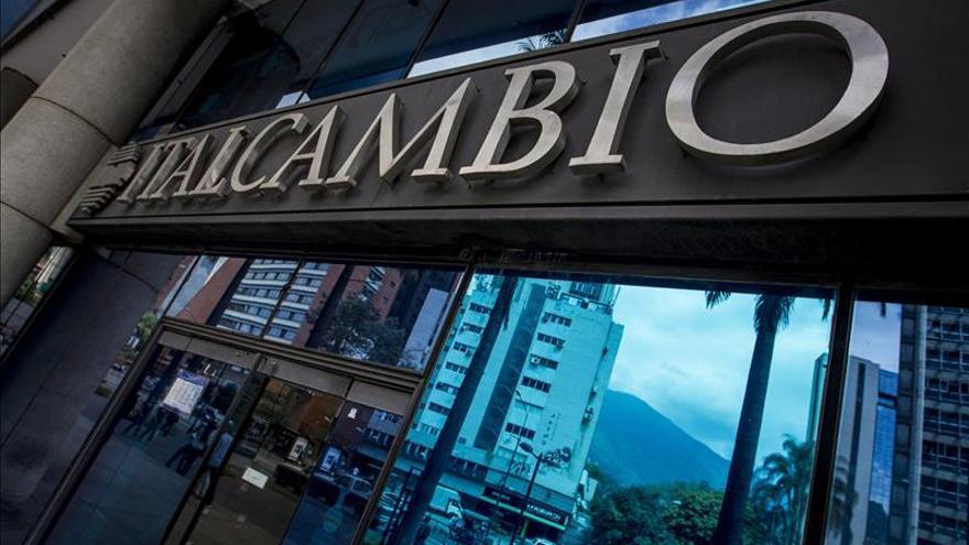 El BCV venezolano adjudicó 4,2 millones de dólares en subasta para venta al menudeo