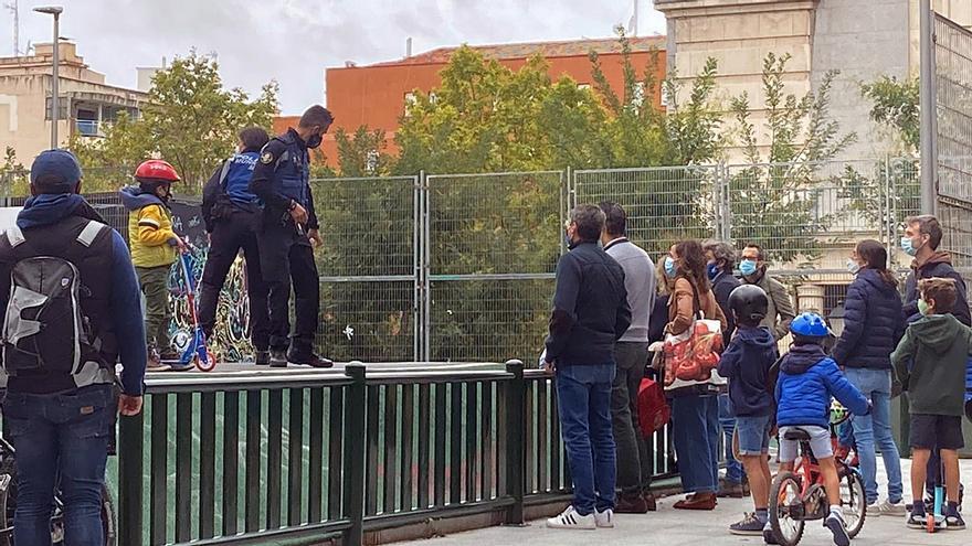 Momento del desalojo policial en el parque José Luis Sampedro | SOMOS CHAMBERÍ