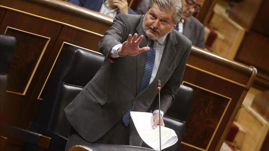 """El Gobierno cree que estudiar en castellano está """"garantizado"""" en las CCAA bilingües"""