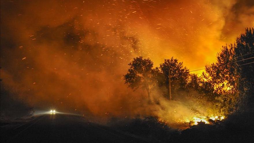 Vista del incendio de Cualedro, el pasado verano