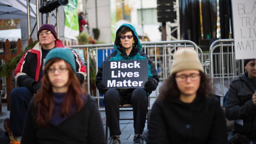 Fotografía de Jama Abdirahman durante las manifestaciones de Black Live Matters en noviembre de 2015.
