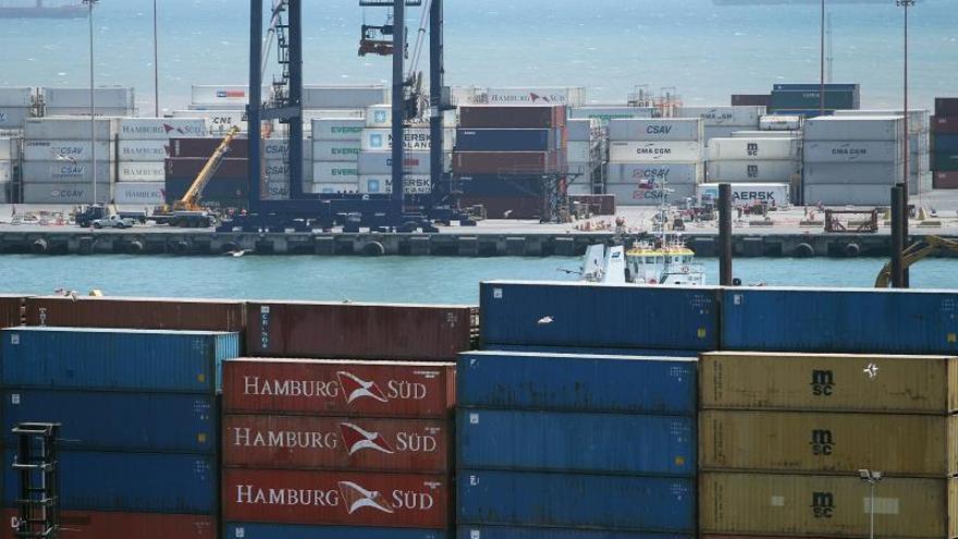 Trabajadores portuarios deponen paro en Chile tras nuevo acuerdo con empresa