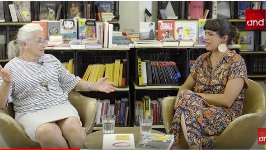 Teresa Rodríguez y su madre, Teresa Vázquez, en las conversaciones sobre igualdad y feminismo de eldiario Andalucia