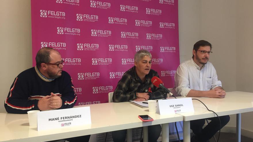 Mané Fernández, Uge Sangil y Loren González en la rueda de prensa de la FELGTB.