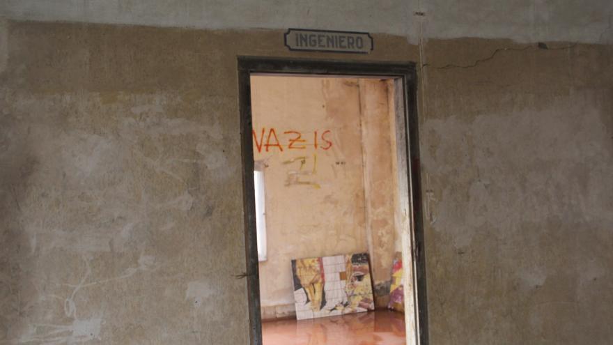 La estancia del Ingeriero todavía conserva la leyenda sobre el marco de la puerta