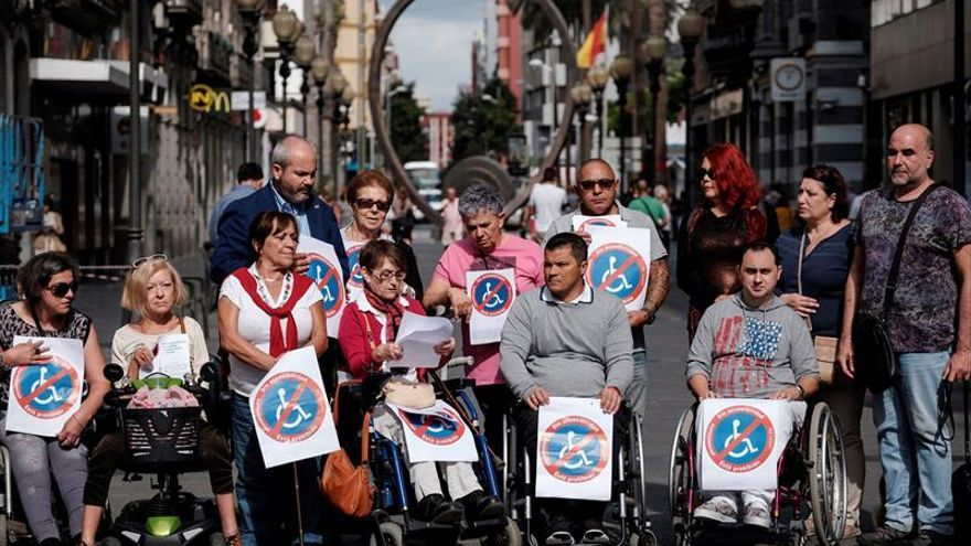 Concentración de la Federación de Asociaciones de Personas con Discapacidad Física y Orgánica de Las Palmas
