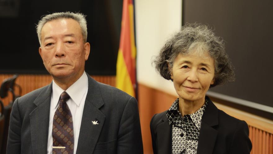 Masashi Ieshima, a la izquierda, y Kuniko Kimura, a la derecha, vivieron cuando eran niños la explosión de la bomba atómica que EEUU arrojó sobre Hiroshima. / Foto: Alejandro Navarro Bustamante.