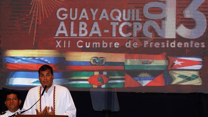 Presidente de Ecuador anuncia reformas laborales en masivo acto en Guayaquil