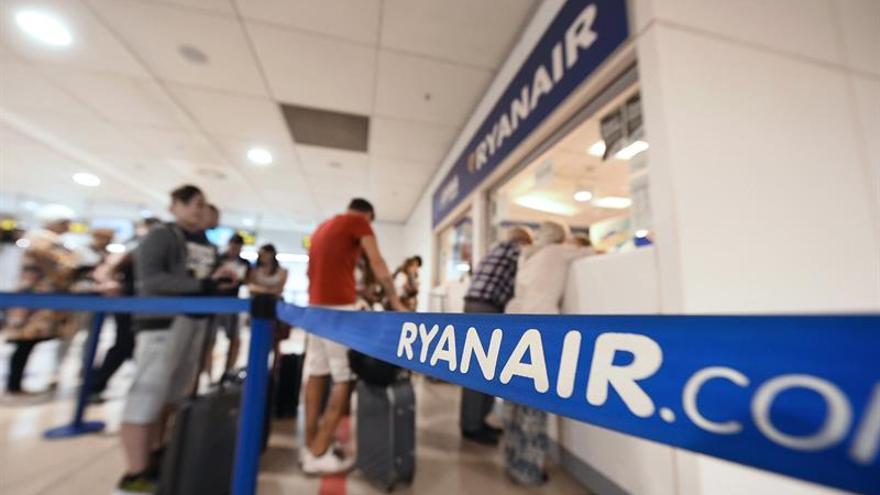 Ryanair pide disculpas y dice que los vuelos programados operan con normalidad