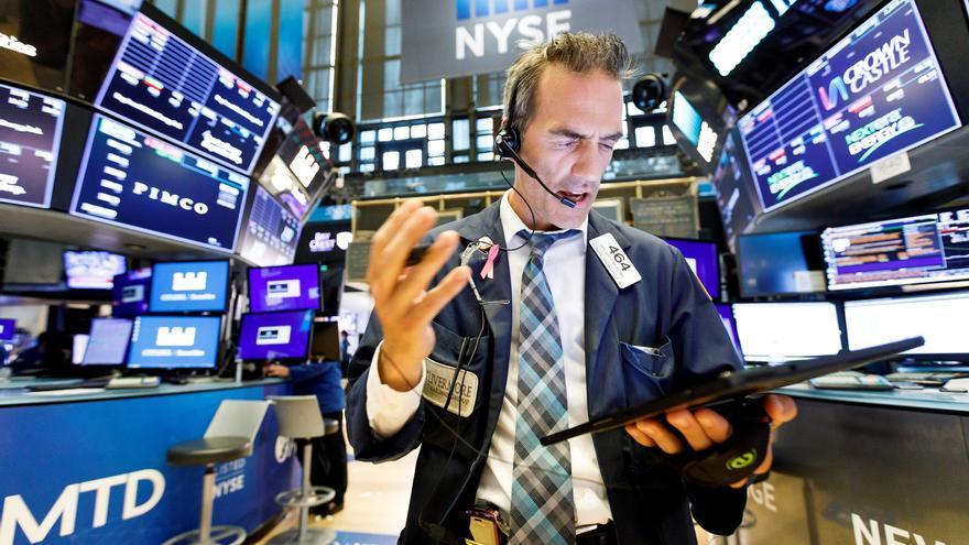Wall Street abre con alzas generalizadas en plena publicación de resultados