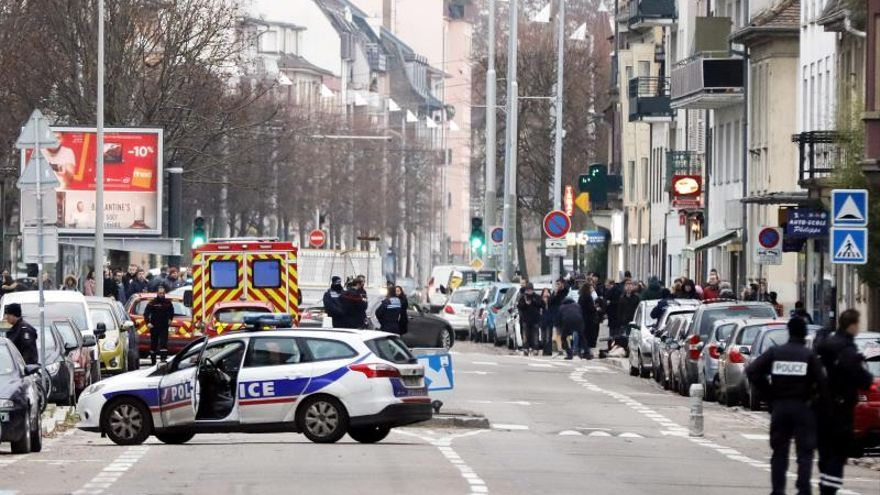 La policía estrecha el cerco al entorno del terrorista de Estrasburgo