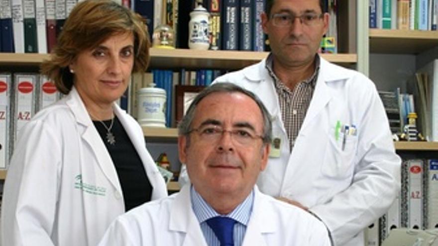 De Izquierda A Derecha Guadalupe Pérez, Martín Navarro Y Anselmo Andrés Martín