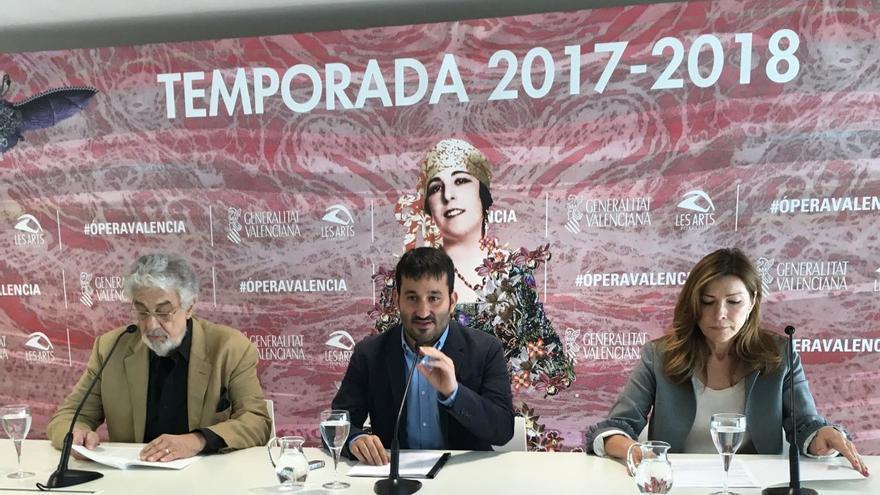 Plácido Domingo, Vicent Marzà y Susana Lloret durante la rueda de prensa
