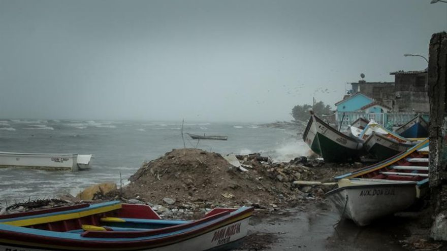 Evacuarán a familias afectadas por las lluvias en estado costero de Venezuela