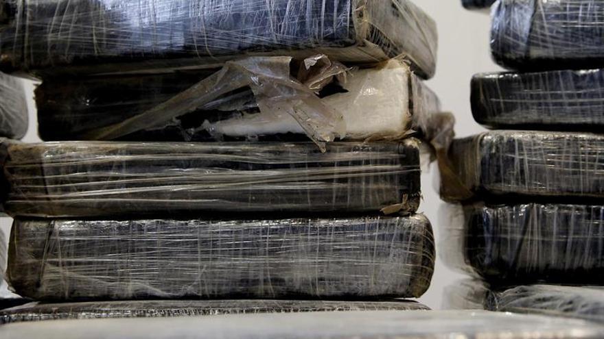 Siete detenidos con 13 kilos de éxtasis y 12 de cocaína en Málaga