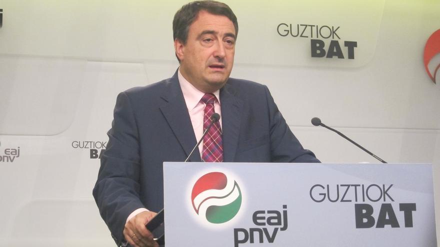 Esteban (PNV) asegura que, con urnas o sin urnas, los catalanes expresarán su voluntad