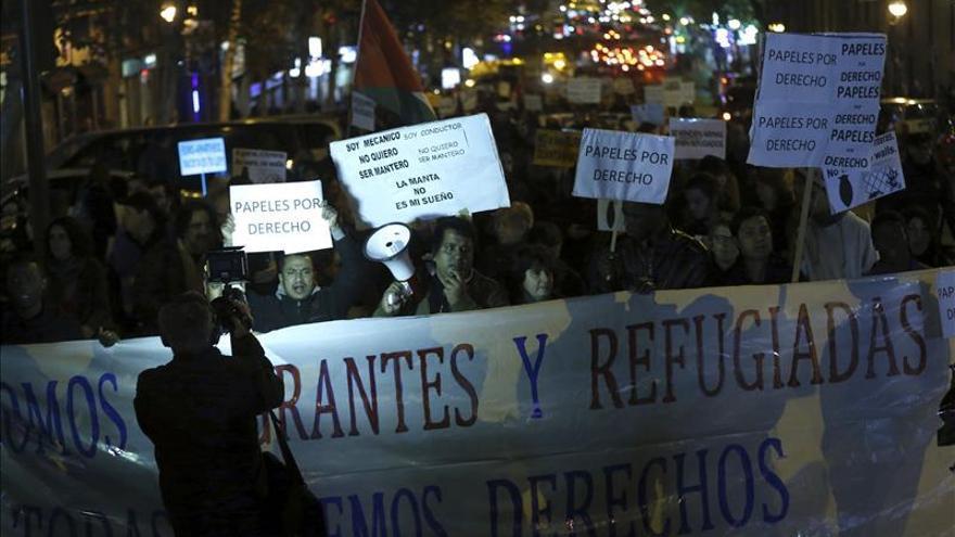 Unas 500 personas se manifiestan contra restricciones a la libre circulación