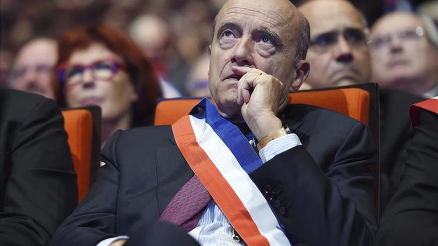 Juppé derechiza su posición para lanzarse a las primarias de Los Republicanos